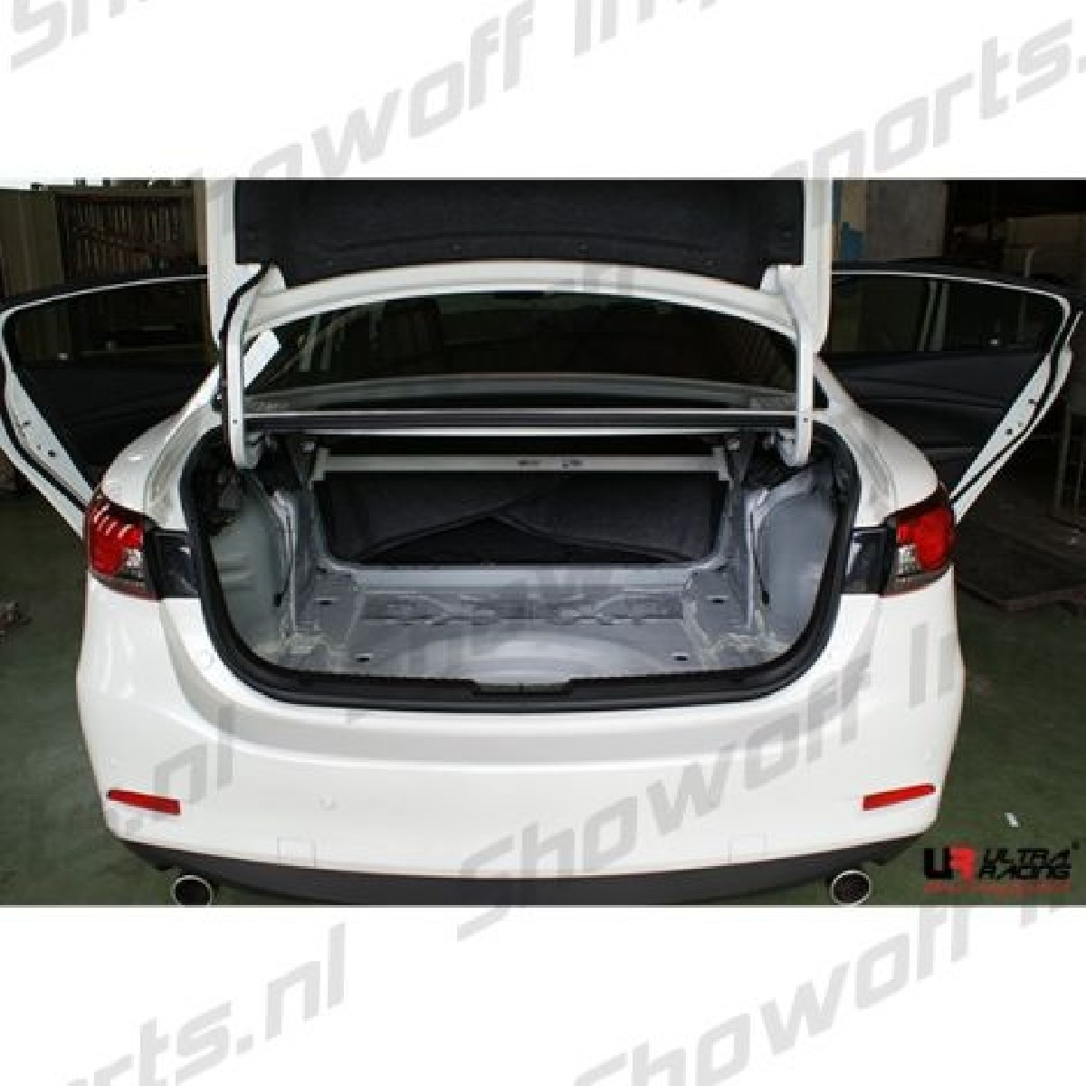 Mazda 3 13+ UltraRacing 2P Rear Upper StrutBar